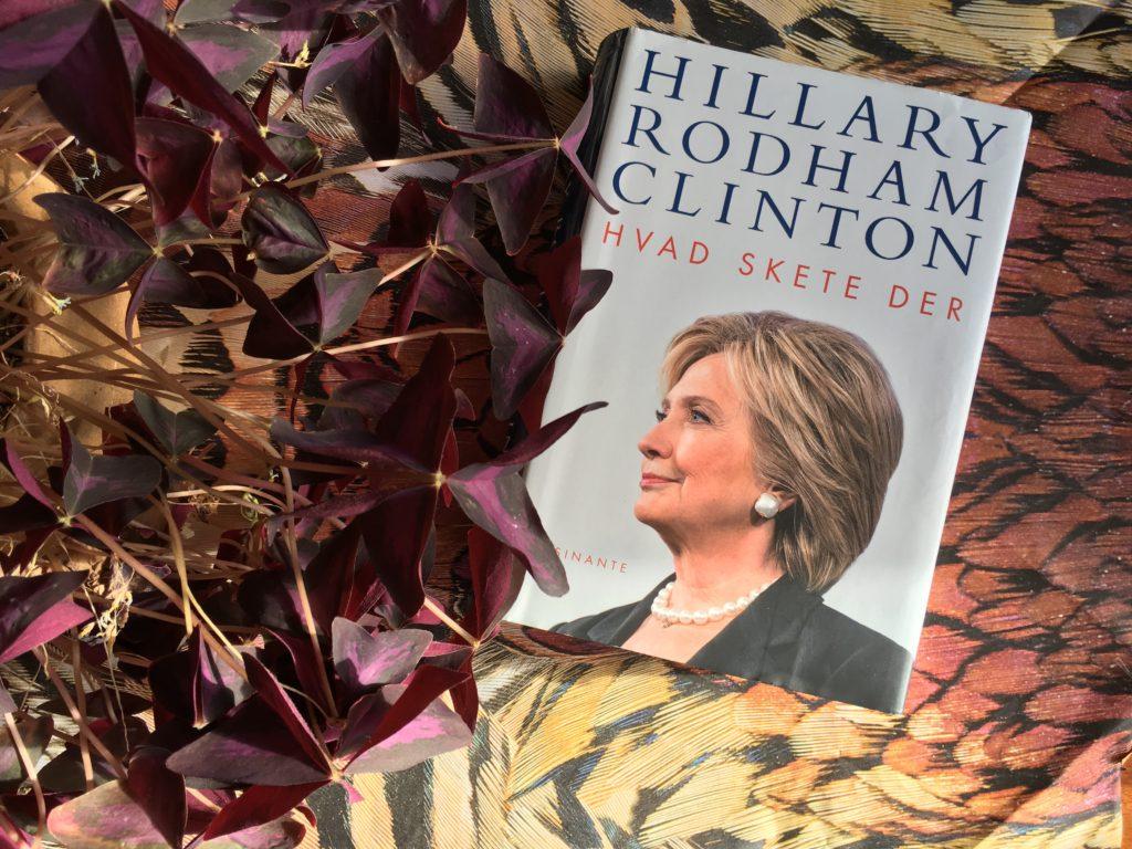 Boganmeldelse Hvad skete der af Hilary Rodham Clinton. Skrevet af Fanny Menaka Dons